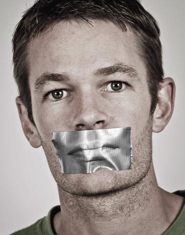 No talking © Jandrie Lombard | Dreamstime.com
