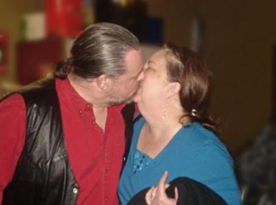 Paul & Lori kissing © Paul H. Byerly